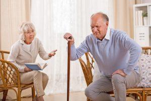 Bei Menschen mit bestehender Herzschwäche zeigen sich die typischen Symptome eines Eisenmangels wie Müdigkeit, Erschöpfung, Leistungsabfall und Luftnot besonders stark. Foto: djd/iStock/Senioren/eisen-netzwerk.de