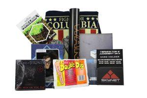"""Streng geheim: Was sich in den """"Lootchest""""-Boxen verbirgt, erfahren Kunden erst, wenn sie ihr Paket öffnen. Foto: djd/lootchest"""