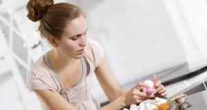 Trendgebäck sparsamer zubereiten: Wer öfter mal leckere Cupcakes zaubert, kann mit einem sogenannten Cupcake-Maker den großen Backofen auslassen - und bis zu 90 Prozent Energie sparen.