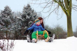 In der Regel sind Aktivitäten an der frischen Luft gesund und können das Immunsystem stärken. Foto: djd/metavirulent
