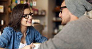 Offenheit und Zuhören sind die wichtigsten Voraussetzungen, um einen realistischen Eindruck vom Gegenüber zu bekommen.