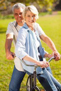 Ob der Ausflug ins Grüne oder die Fahrt zum Supermarkt - mit dem Fahrrad lässt sich das Bewegungskonto leicht aufbessern.