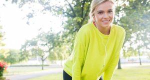 Fit ins Frühjahr starten - viel Bewegung und eine basische Ernährung können dabei hilfreich sein.