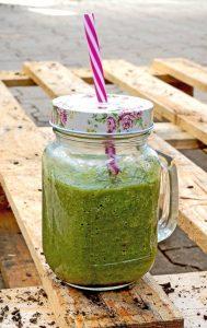 Grüne Smoothies sind die geballte Ladung gesunder Vitamine, Mineralien und sekundärer Pflanzenstoffe