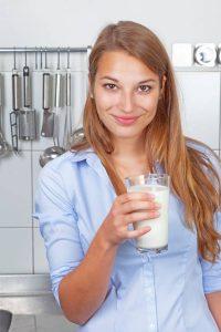 Die große Wertschätzung der Bundesbürger für Milch hat ihren Grund: Milch dürfte das am besten kontrollierte Lebensmittel Deutschlands sein.