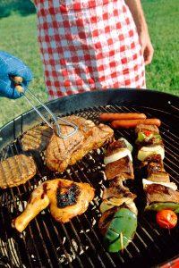 Rind, Geflügel und Grillgemüse anstelle fetten Schweinefleisches sind vielen Genießern willkommen.