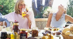Grillen mit Freunden ist für viele das schönste Sommervergnügen.