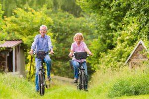 Mit der richtigen Ausrüstung machen Ausflüge mit dem E-Bike noch mehr Spaß.