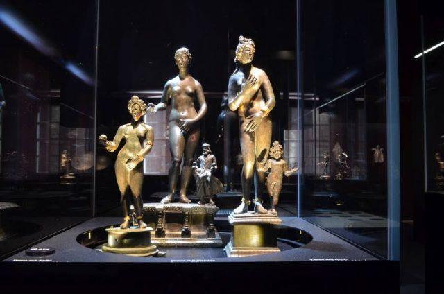 Insgesamt 114 Objekte, darunter kostbare Bronzestatuen, die Figuren aus dem Götterhimmel der Antike darstellen, gehören zum Weißenburger Römerschatz.