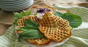 Das Australische Zitronenblatt verleiht Kräuterwaffeln ein intensives, zitroniges Aroma.