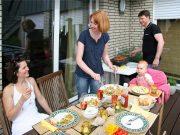Eine eindeutige gesetzliche Regelung, wie oft man den Grill anwerfen darf, gibt es in Deutschland nicht. Grundsätzlich sollte Rücksichtnahme auf Nachbarn das Gebot der Stunde sein.
