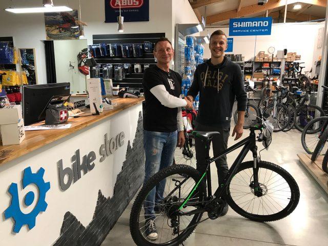 Große Freude im Bike Store Haßfurt - MAINLIKE®