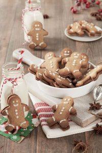Lebkuchenmännchen sind die wohl fröhlichste Form traditioneller Weihnachtsfreuden.