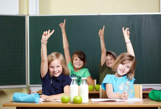 Die Grundlagen einer ausgewogenen Kinderernährung werden nicht zuletzt in der Kita und später dann in der Schule gelegt.
