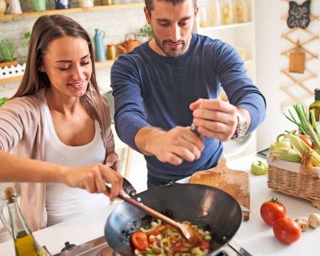 Weniger Kohlenhydrate, mehr Energie: Immer mehr Verbraucher schwören darauf, auf Pasta, Kartoffeln und Co. weitestgehend zu verzichten.