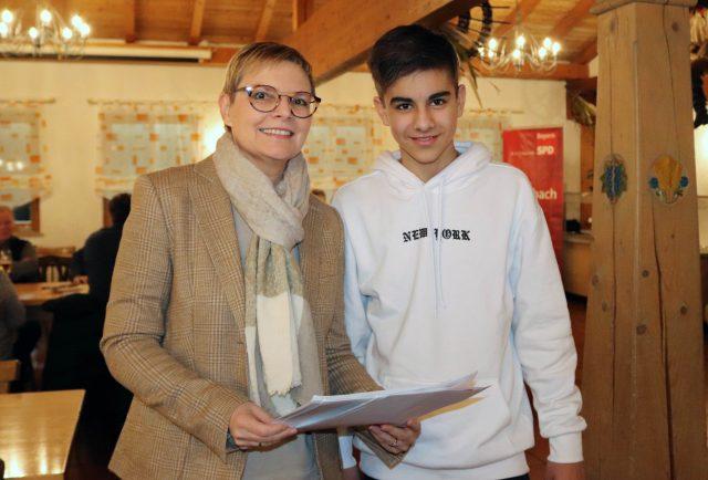 Moritz Kneuer absolvierte ein Praktikum im Bürgerbüro der SPD-Bundestagsabgeordneten Sabine Dittmar in Haßfurt