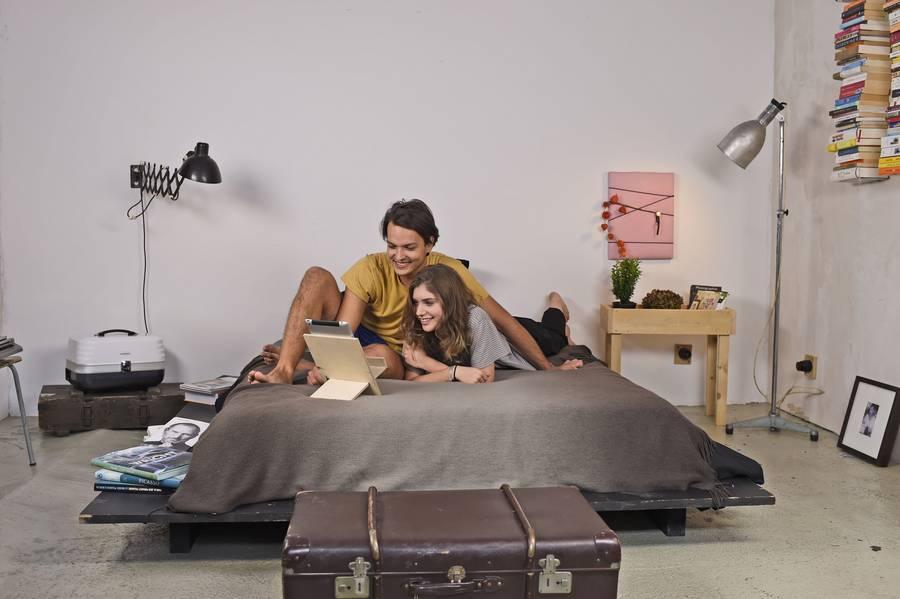 g nstig einrichten diy f r die erste eigene wohnung mainlike. Black Bedroom Furniture Sets. Home Design Ideas