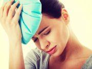 Ein Eisbeutel allein reicht nicht. Frauen, die regelmäßig unter Migräne leiden, brauchen eine langfristige Prophylaxe.
