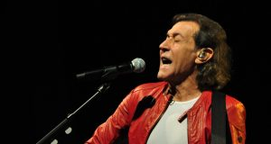 Albert Hammond live