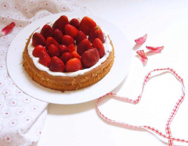 Erdbeer-Biskuit-Torte zum Muttertag