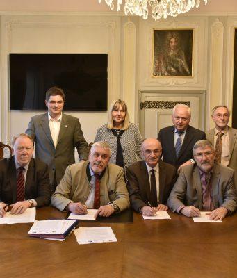Interessengemeinschaft gegen neue Stromtrassen: u.a. mit den Bundestagsabgeordneten Dr. Anja Weisgerber und Hans Michelbach