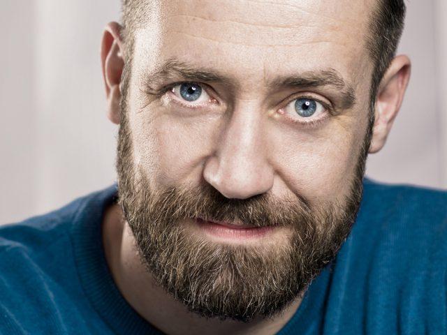 Erleben Sie Bürger Lars Dietrich in der Komödie
