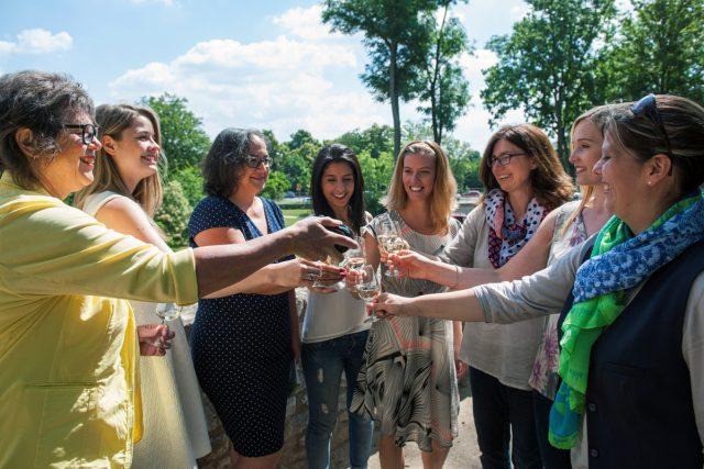 Schöppeln, schlecken, schmecken: Stadtführung mit Weinumtrunk und anderen Köstlichkeiten.