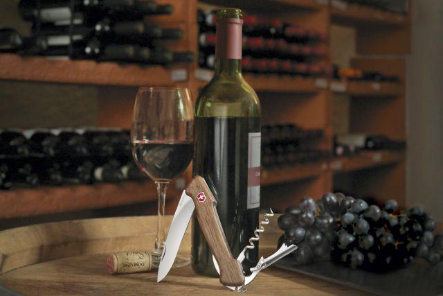 Ein hochwertiger Wein braucht nicht nur die richtige Lagerung, sondern auch eine fachkundige Hand beim Entkorken.