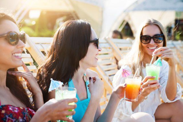 Die besten Freundinnen unter sich: Eine Sommerparty nur für