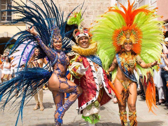 Lassen Sie beim Samba-Festival in Coburg die Hüften kreisen.