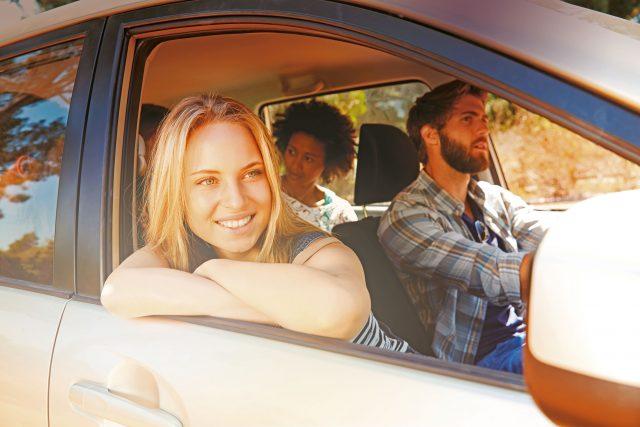 Mit einem sicheren Gefühl in den Urlaub starten. Ein gründlicher Autocheck vor dem Start schützt vor ärgerlichen Pannen unterwegs.