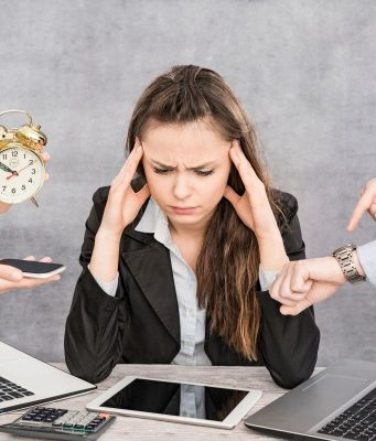 Im Berufsalltag herrscht oft Dauer-Input und nach Feierabend geht es bei vielen via Social Media weiter.