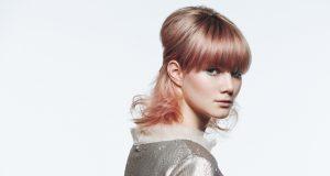 Half-Up-Look: Mit wenigen Handgriffen lässt sich aus dem Clavi eine elegante Frisur im Sixties-Style zaubern. Foto: Zentralverband Friseurhandwerk/Mario Naegler
