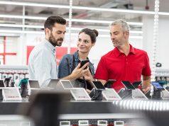 Verbraucher können drohendem Technik-Frust vorbeugen - und die Installation neuer Geräte gleich dem Profi überlassen.