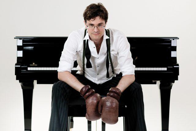 Klaviersdelikte ist das vierte Klavierkabarettprogramm von Bodo Wartke.