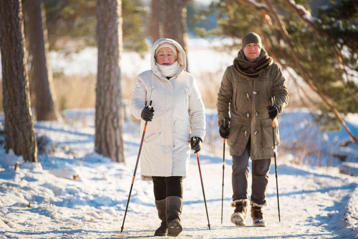 Ob Winterwandern, Skifahren oder Rodeln - auch in der kalten Jahreszeit kann Bewegung im Freien Freude machen.