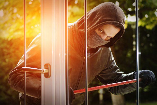 Innovative Alarmanlagen melden bereits Einbruchsversuche und geben Alarm, bevor der Täter einen Fuß ins Haus gesetzt hat.