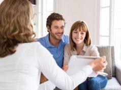Mit Sicherheit ins Eigenheim: Eine gute Beratung rund um Eigenkapital, Fördermittel und Finanzierung spart Zeit, Geld und Nerven.