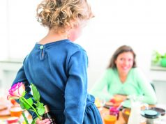 Liebevoll zum Muttertag: Für große Gefühle reichen meist auch kleinere Geschenke.