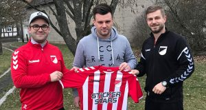 Auf dem Foto von Links: Abteilungsleiter Florian Hümpfner, Co-Trainer Tobias Barth, Spielertrainer Thomas Wagenhäuser