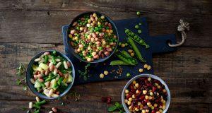 Ein echtes Powerfood: Hülsenfrüchte liefern neben dem hohen Gehalt an Proteinen Ballaststoffe, wichtige Vitamine und Mineralstoffe - die richtige Wahl für alle, die sich ausgewogen und bewusst ernähren möchten.