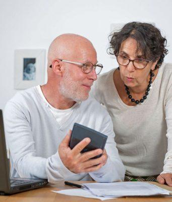 Wer blickt da noch durch? Viele Verbraucher sind von permanenten Online-Preisvergleichen genervt, so eine aktuelle Umfrage.
