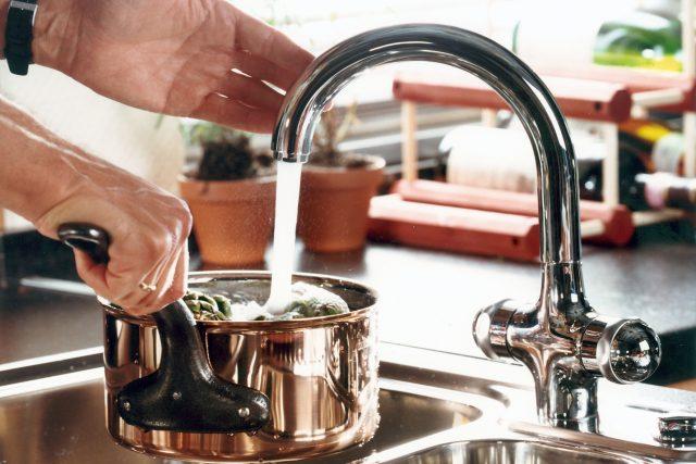 In Deutschland kann man Leitungswasser bedenkenlos nutzen, denn es ist das Lebensmittel, für das die strengsten Kontrollgesetze gelten.