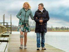 Häufige Ursachen einer Fußheberschwäche sind neurologische Erkrankungen wie Multiple Sklerose. Sie kann mit Hilfsmitteln ausgeglichen werden.