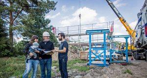 Mit einer Baugrunduntersuchung gehen Bauherren sicher, dass bei Baubeginn keine bösen Überraschungen im Boden warten.