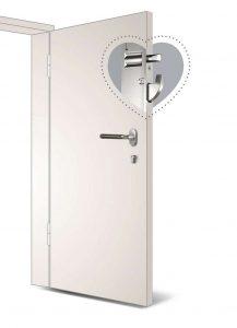 Für die nachträgliche Einbruchhemmung einer Haustür unverzichtbar: die Mehrfachverriegelung. Als besonders sicher gelten Ausführungen mit Rundbolzen-/Schwenkhaken-Verriegelung.