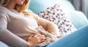 Darmgesundheit: Bauchschmerzen, Blähungen und Co. - wenn uns Verdauungsbeschwerden plagen, hängt dies oft mit einer gestörten Darmflora zusammen. Foto: djd/RMS-Forschung/leszekglasner - stock.adobe.com