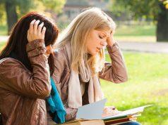 Viele Studierende kämpfen mit Versagensängsten und können kurz vor Prüfungen kaum noch abschalten. Foto: djd/Magnesium-Diasporal/PantherMedia/inesbazdar