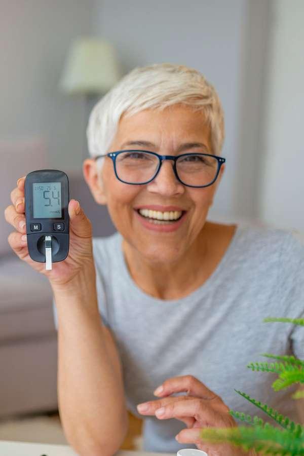 Prädiabetes: An der Regulation des Blutzuckerspiegels ist neben Insulin auch Magnesium entscheidend beteiligt. Deshalb sollte auf eine gute Versorgung geachtet werden.