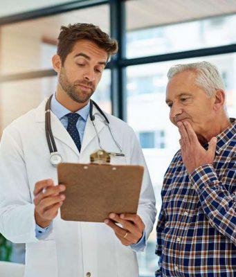 Gesundheitswissen: Jeder fünfte Patient hat Schwierigkeiten, die Aussagen seines Arztes zu verstehen. Foto: djd/Sanofi/Getty